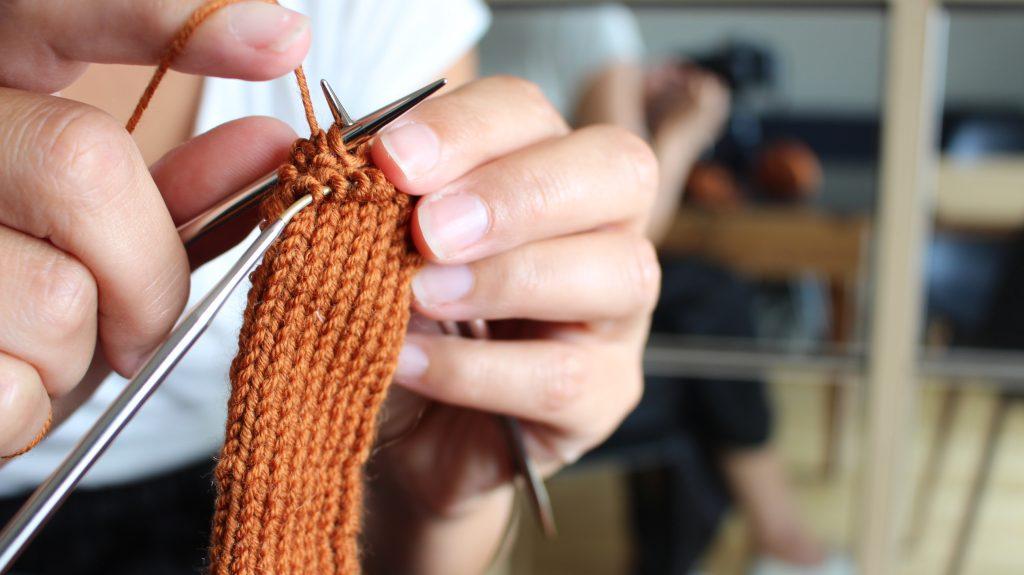 le tricot une activité manuelle